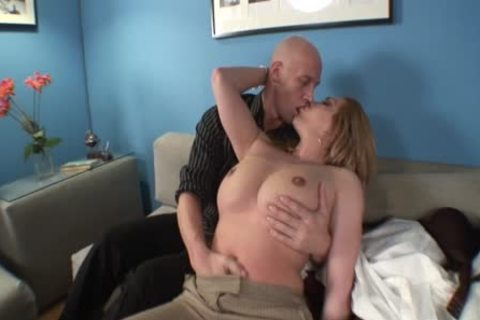 Lizey Chris Has best Sex On The couch
