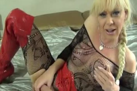 Blond ladyboy Joanna Jet Playing With Her recent dildos