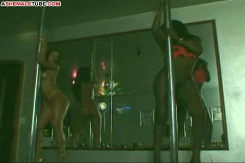 ebony Strippers And A Waiter